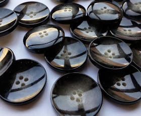 Buttons and fashion accessories